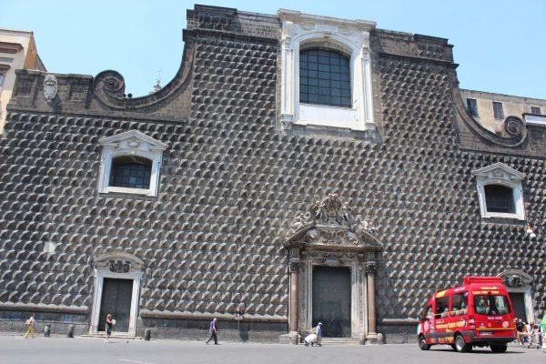 Um dia em Nápoles - Igreja de Jesus Novo