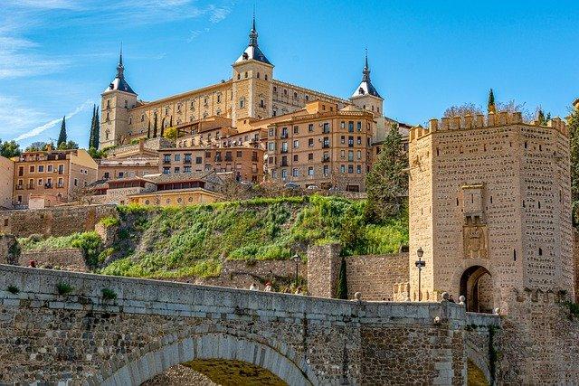 5 cidades fora do roteiro em Espanha - Alcazar Toledo